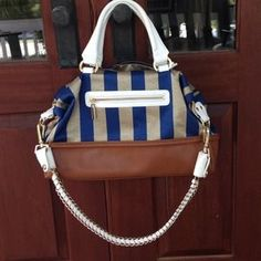 I just discovered this while shopping on Poshmark: NWOT Ivanka Trump handbag. Check it out! Size: OS