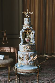crazy wedding cakes Operatic wedding cake designed by Nadia amp; Crazy Wedding Cakes, Crazy Cakes, Fancy Cakes, Unique Cakes, Elegant Cakes, Creative Cakes, Gorgeous Cakes, Pretty Cakes, Amazing Cakes