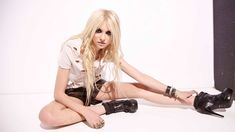 Taylor Momsen Sexy Wallpaper HD