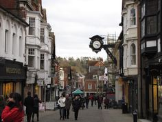 Would you like to go shopping or relax drinking a cup of tasty  British tea? Let's come to High Street Road and you will find many tiny cafes and a lot of amazing shops where you can find the perfect gift for you or for a friend!