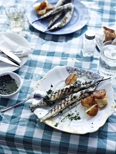 Grilled garfish with roasted potatoes (imsell mixwi) Other Recipes, My Recipes, Just Cooking, Roasting Pan, Roasted Potatoes, International Recipes, Easy Peasy, Seafood, Grilling