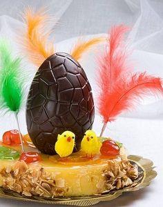 La Mona de Pascua is a typical Easter  delicacy  in Catalonia!