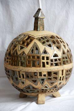 Round pottery ball of houses. Celý můj svět