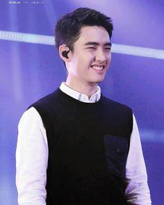 "526 Likes, 6 Comments - 디오하트 (@reinysoo) on Instagram: ""You smile..i smile ❤❤ -- Do Kyungsoo my little sunshine . . . #beautifulsmile #mybaby #DO #exodyo…"""
