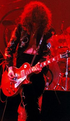 http://custard-pie.com Jimmy Page of Led Zeppelin