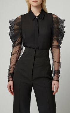Ruched Silk-Tulle and Chiffon Top by CUSHNIE Now Available on Moda Operandi Source by essystaicy top Blouse Styles, Blouse Designs, Ny Dress, Fashion Details, Fashion Design, Fashion Trends, Moda Fashion, Womens Fashion, Punk Fashion