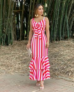 Elegant Dresses Classy, Stylish Dresses For Girls, Dressy Dresses, Classy Dress, Classy Outfits, Women's Fashion Dresses, Dress Outfits, Casual Frocks, Fancy Blouse Designs
