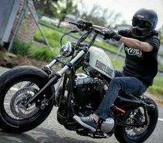 Harley Davidson News – Harley Davidson Bike Pics Triumph Bobber, Bobber Bikes, Harley Bobber, Harley Bikes, Bobber Motorcycle, Cool Motorcycles, Harley Davidson Motorcycles, Motorcycle Garage, Harley Davidson Iron 883