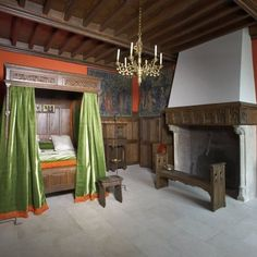 Une chambre à coucher à la fin du XVe siècle - Les Arts Décoratifs, Paris. A dream : travel to the Middle-age, in the center of Paris....