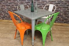 GALVANISED VINTAGE INDUSTRIAL TOLIX STYLE DINING CAFE TABLES 80CM X 80CM
