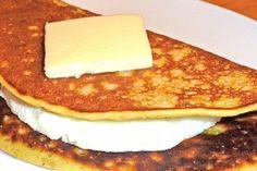 Prueba esta deliciosa receta de cachapa a la venezolana Restaurant Recipes, Healthy Recipes, Healthy Food, Food Porn, Appetizers, Lunch, Breakfast, Empanadas, Pancake
