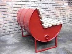 Resultado de imagem para como aproveitar barris de madeira no jardim