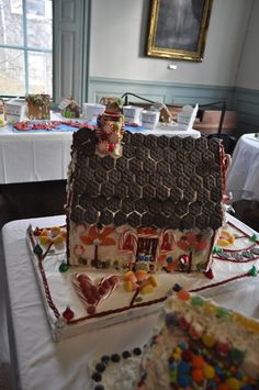 gingerbread house at the Gingerbread Festival at the Jeremiah Lee mansion in Marblehead, Mass. Cool Gingerbread Houses, New England, Mansions, Architecture, Holiday, Blog, Gifts, Arquitetura, Vacations