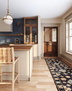 Kitchen Post, Cozy Kitchen, Home Decor Kitchen, Kitchen Interior, New Kitchen, Home Kitchens, Green Kitchen, Kitchen Rug, Kitchen Ideas
