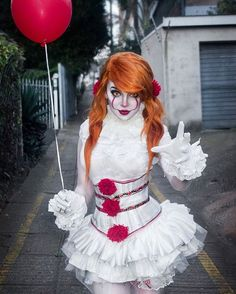 Easy Movie Character Costumes Female – 2018 Halloween Costumes – Halloween Costumes, Make Up and Halloween Clown, Pennywise Halloween Costume, Halloween Noir, Creepy Halloween Costumes, Halloween Makeup Looks, Halloween Outfits, Halloween 2018, Women Halloween