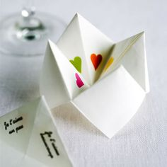 Chatterbox - origami    (http://upload.wikimedia.org/wikipedia/commons/thumb/8/8f/Fortuneteller_mgx.svg/360px-Fortuneteller_mgx.svg.png)