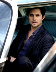 Kristoffer Polaha ... If John Mayer were hot he'd look like this #KristofferPolaha #ringer #hotdudes