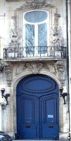 Mich Lancaster photography     |   Portes Bleues le long de la Seine, 2009  |  près du Musée d'Orsay