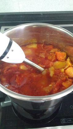 BUENOS RATOS LOLA: Sopa de tomate y zanahoria con cebollino. Olla gm f y tradicional