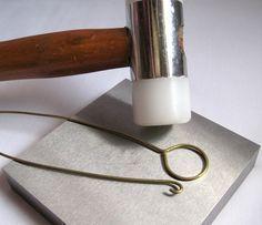 6 Ways to Make Higher Quality Wire Jewellery - some great wire working tips plus a video - 6 modi per migliorare la qualità dei propri gioielli in filo di metallo