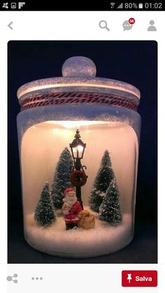 A Christmas scene and a miniature for the interior of your interior! Get inspired Informations About Une scène de Noel und eine Miniatur für den … Christmas Lanterns, Christmas Mason Jars, Christmas Ornaments, Xmas Table Decorations, Christmas Centerpieces, Christmas Scenes, Christmas Holidays, Christmas Villages, Christmas Projects