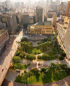 """5,410 curtidas, 33 comentários - Projeto São Paulo City® (@saopaulocity) no Instagram: """"Vale de Anhangabaú by @we_heart_saopaulo 🚩#saopaulocity #EuVivoSP"""""""