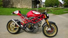 """Radical Ducati S.L.: From France Nicolas """"Radicalize"""" his Monster"""