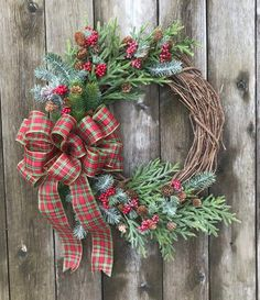 Christmas DIY Outdoor Decor Ideas that Will Wow Your Neighbors this Year - The Trending House Blue Christmas Decor, Christmas Towels, Christmas Door Decorations, Plaid Christmas, Christmas Centerpieces, Christmas Time, Christmas Wreaths, Winter Decorations, Rustic Christmas