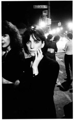 It's a Godlis World: Early Photos of Punk Rock After Dark | VICE United States Patti Smith,Bowery, 1976