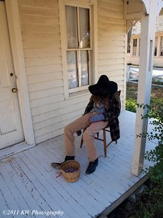 Porch dweller  Scarecrow by kawwsu29, via Flickr
