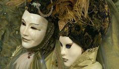 Whole website about Venetian masks!