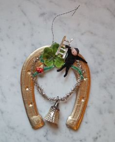 Vintage Christmas Dresden  Horse Shoe Cardboard Ornament - around 1930  (# 5390)