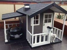Cubby house & car