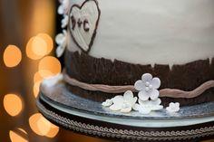 Bolos de casamento inspirados no outono. #casamento #bolodosnoivos #branco #castanho #flores #outono #inspiração