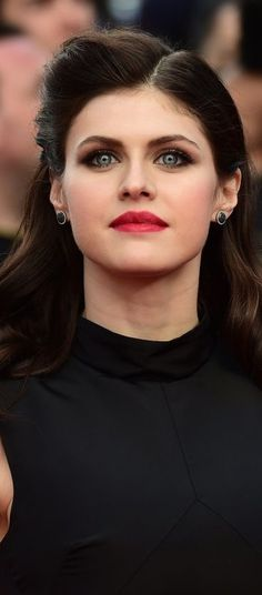 Alexandra Daddario – San Andreas Premiere in London