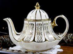 Marquee Sadler Gold on Antique White Tea Pot, Vintage Carousel Shaped Sadler Teapot 12772