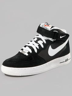 Nike Air Force 1 07 Black White