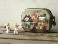 Little house pouch by STORY QUILT, via Flickr