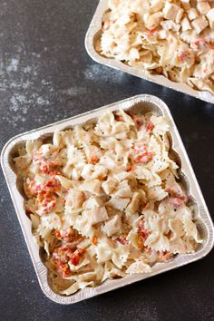Tuscan Pasta doubles as a freezer meal! It's great for taking to new moms, too. meals for new moms 20 Minute Tuscan Pasta (Freezer Meal) Freezer Friendly Meals, Make Ahead Freezer Meals, Freezer Cooking, Batch Cooking, Premade Freezer Meals, Chicken Freezer Meals, Quick Meals, Pot Pasta, Pasta Dishes