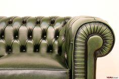 Divano Chesterfield piccolo Chesterino - VAMA Divani Chesterfield Chair, Sofa Chair, Sofa Frame, Accent Chairs, Furniture, Salons, Design, Home Decor, King