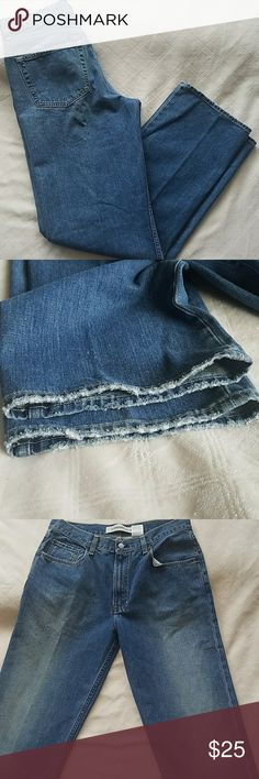 Mens GAP standard fit jeans These jeans are in excellent used condition!  There are no tears, stains or unintentional  fraying. The inseam on this pair of jeans is 34gap inches. GAP Jeans Straight