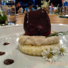 desert strawberry topping with chocolate ala velbel