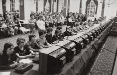The National Space Invaders Championship held by Atari in Rare Photos of History – Page 24 – Daily Bananas Rare Historical Photos, Rare Photos, Old Photos, Vintage Photos, Vintage Photographs, Space Invaders, History Page, History Books, History Memes