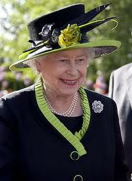 what a lovely look for the Queen || Queen Elizabeth gets in touch with her edgy side! :)