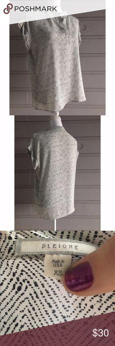 Pleione Oversize Chiffon Top EUC tags: split neck roll sleeve silky flowy chiffon graphic print loose fit oversize Pleione Tops