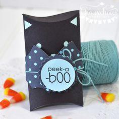 halloween pillow box idea - peek - a - boo Halloween Paper Crafts, Halloween Pillows, Halloween Projects, Halloween Cards, Halloween Stuff, Spooky Decor, Pillow Box, Lawn Fawn, Scrapbook Paper Crafts