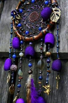 purple, the perfect color for a dream catcher. Purple Love, All Things Purple, Shades Of Purple, Purple Stuff, Purple Swag, Dreams Catcher, Los Dreamcatchers, Mundo Hippie, Creation Deco