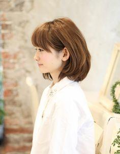 耳かけボブパーマ髪型(kE-259) | ヘアカタログ|AFLOAT(アフロート)のカリスマ美容師によるヘアスタイル