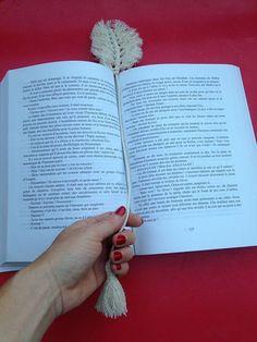Macrame bookmark / bookmark / book accessory
