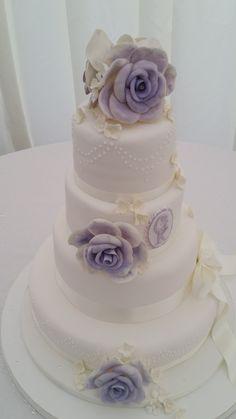 4 tier wedding cake vintage lilac 4 Tier Wedding Cake, Wedding Cakes, Lilac, Ivory, Desserts, Vintage, Wedding Gown Cakes, Tailgate Desserts, Deserts